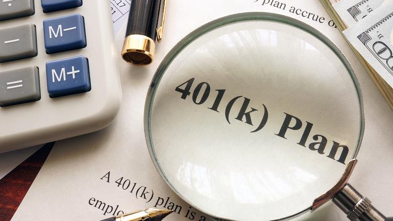 Bloomberg columnist's assessment of 401(k) plans prompts backlash