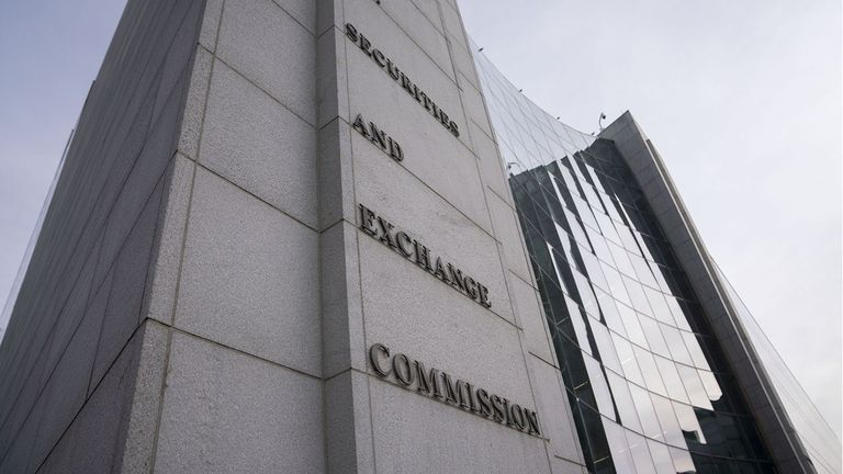 SEC to revisit insider trading rules