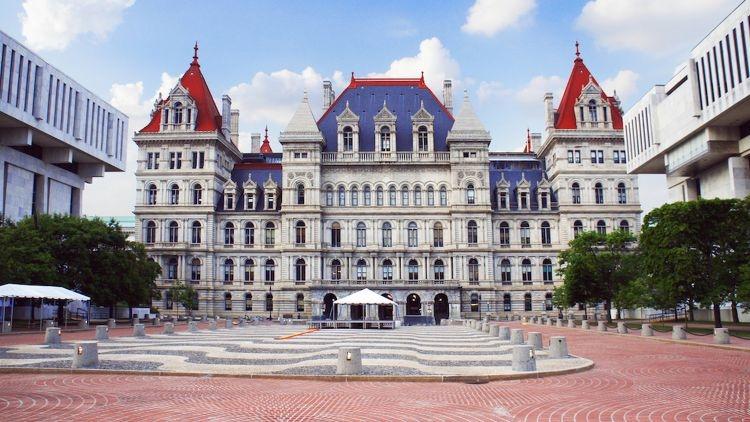 New York Senate passes bill to make auto IRAs mandatory for certain firms