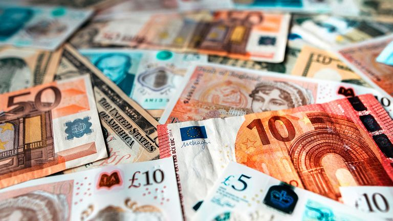 Bills of euro, dollar and pound currencies, among others