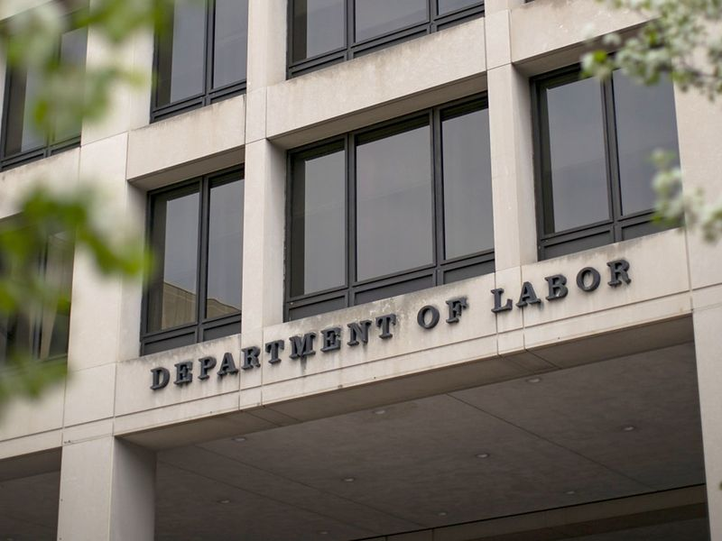 DOL opens gate to private equity in DC plans