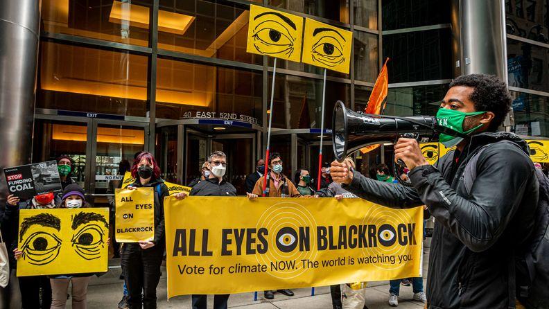 Stop the Money Pipeline rally