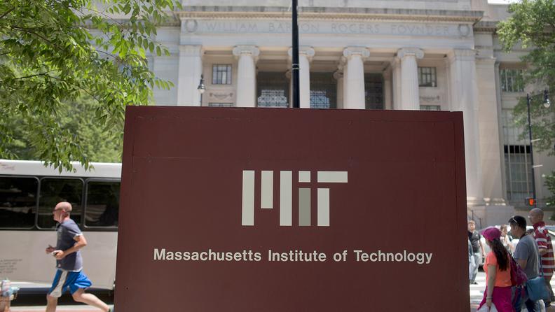 massachusetts-institute-of-technology-mit-sign_i.jpg