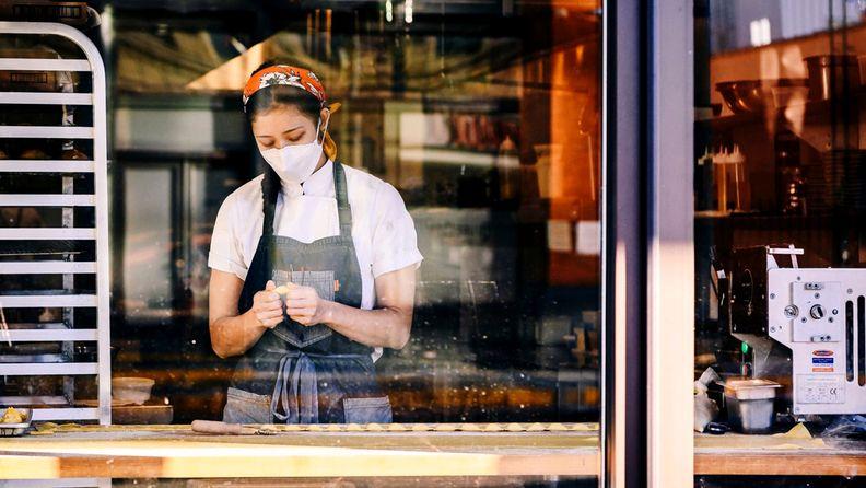U.S. jobs worker restaurant