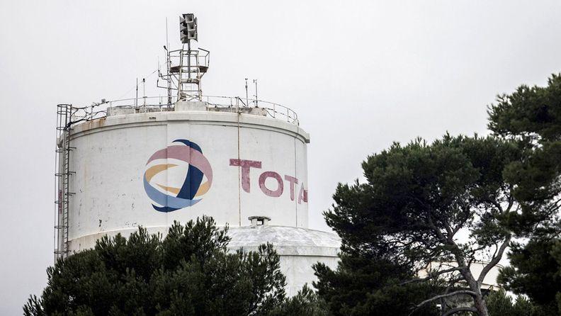 Total SA storage tank